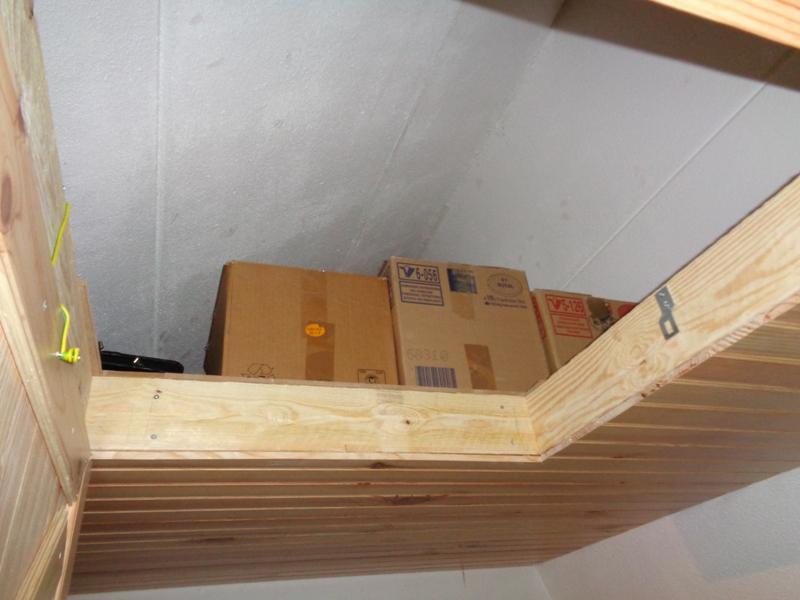 Le Plafond De La Mezzanine